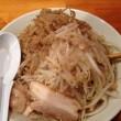 なるとのラーメン大盛りヤサイアブラカラメ魚粉