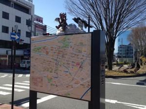 飯田駅前の案内板
